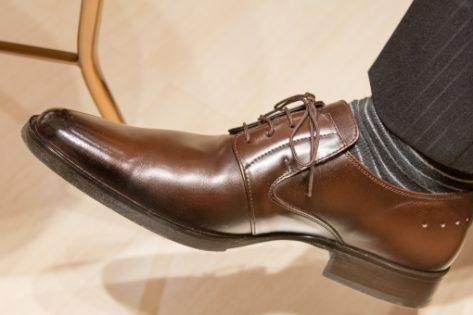 靴職人の仕事を紹介 気になる年収や必要な資格、適性も